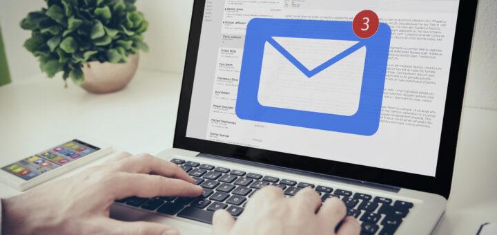 Billede af computer med logo af digital post